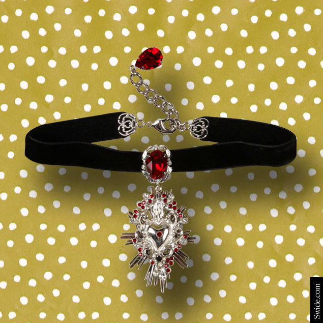 last-minute-christmas-gift-ideas-2014-for-women-best-stocking-fillers-dolce-and-gabbana-necklace