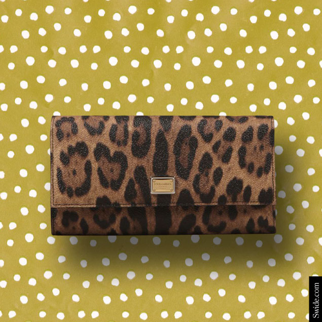 last-minute-christmas-gift-ideas-2014-for-women-best-stocking-fillers-dolce-and-gabbana-leopard-print-wallet