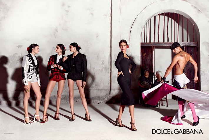 dolce-and-gabbana-spring-summer-2015-ad-campaign-woman-collection-photos-01 (710x475)