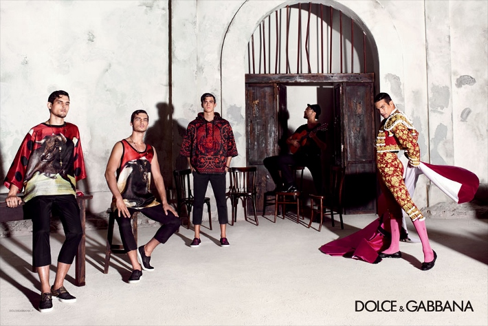 dolce-and-gabbana-spring-summer-2015-ad-campaign-man-collection-photos-03 (710x474)
