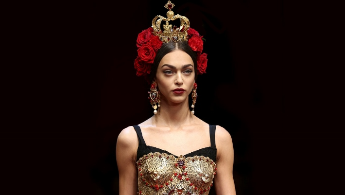 dolce-and-gabbana-spring-summer-2015-sacred-heart-inspired-jewellery-06 (710x401)