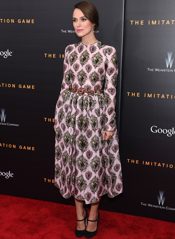 keira-knightley-best-looks-dolce-and-gabbana-dress-the-imitation-game-premiere-06