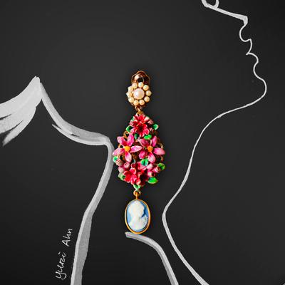 Серьги с цветами и камеей