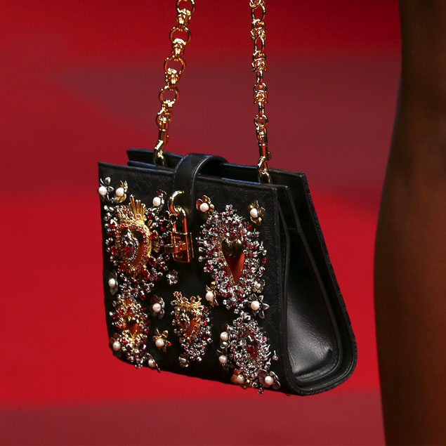 Spring-summer-2015-fashion-trends-Dolce-and-Gabbana-sacred-hearts-shoulder-bag-gallery
