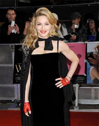 Мадонна в кейпе Dolce&Gabbana