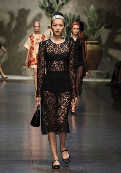 dolce-and-gabbana-ss-2013-women-fashion-show-runway-sicily-folk-photo-75