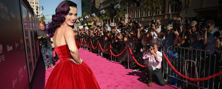 Кэти Перри в платье Dolce&Gabbana на премьере фильма