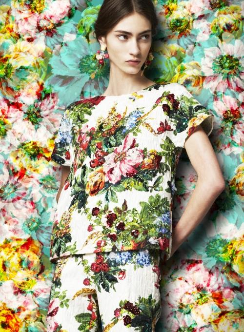 Женская коллекция Dolce&Gabbana FW14, парчовая туника и брюки с цветочно-фруктовыми принтами