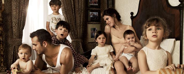 Рекламная кампания детской коллекции Dolce&Gabbana с Бьянкой Балти и Энрике Паласиосом