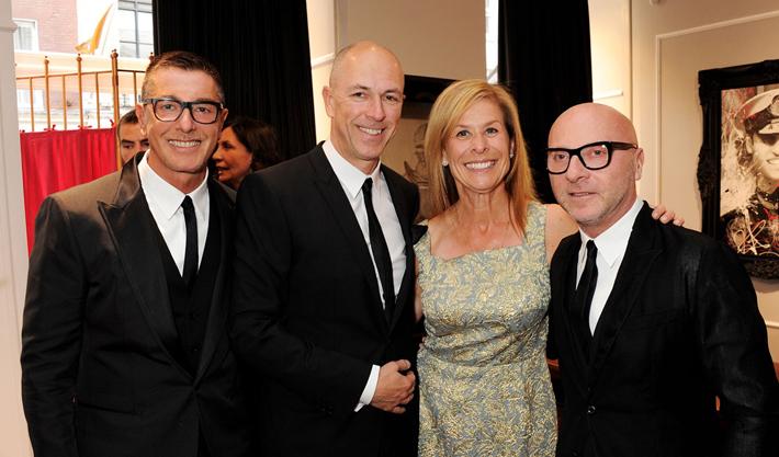 Доменико Дольче, Стефано Габбана, Дилан Джонс на открытии бутика Dolce&Gabbana в Лондоне