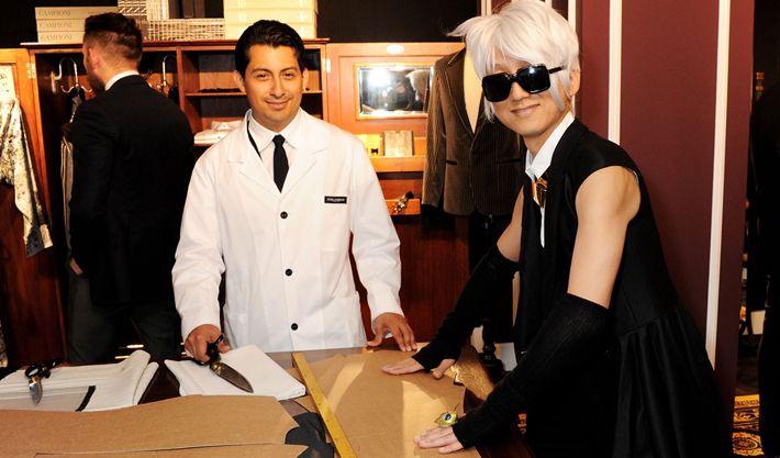 Мода и портновское дело встречаются на открытии бутика Dolce&Gabbana в Лондоне