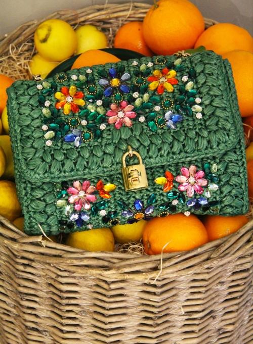 Аксессуары из предколлекции Dolce&Gabbana FW14, расшитая Dolce Bag