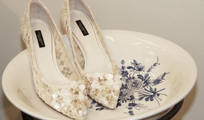 Аксессуары из предколлекции Dolce&Gabbana FW14, расшитые кружевные туфли-лодочки