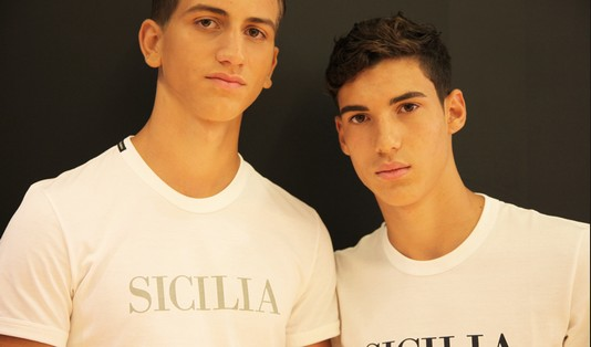 models-backstage-dolce-gabbana-ss-2014-men-fashion-show-boys