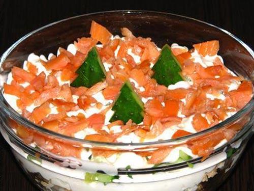 salat-s-kopchenym-lososem