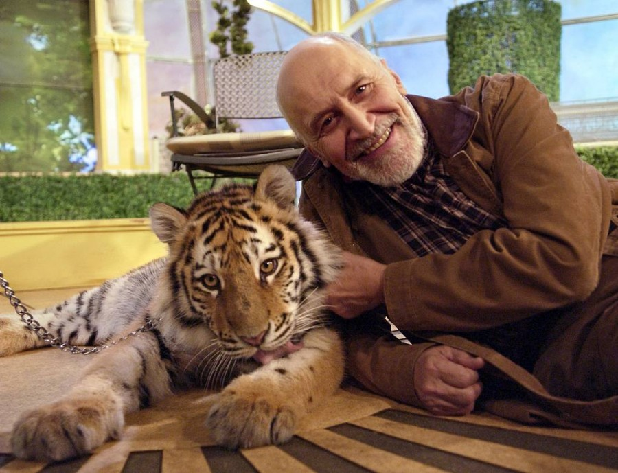 Дроздов с тигром фото эмиль матвеев тасс 2006