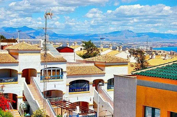 Купить небольшой дом в испании на берегу моря