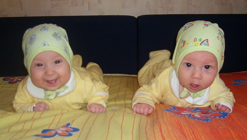 мои дочки в 3 месяца
