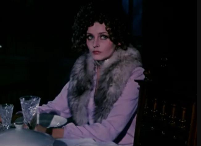 Как выглядела женщина-робот из «Отеля» Стругацких