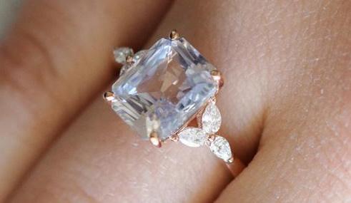 Можно ли заменить бриллиант белым сапфиром