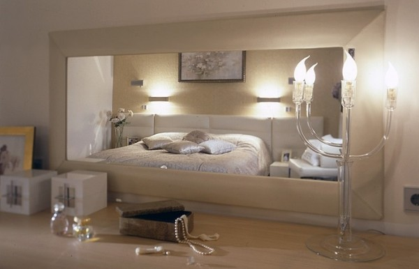 natural-vanities-with-candle-bulbs-as-lighting-in-bedroom-decoration