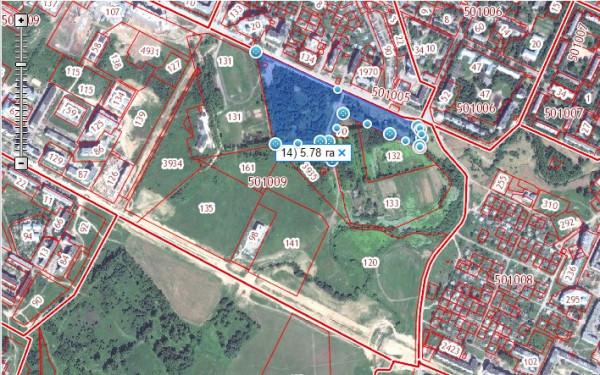 Парк Победы в Вологде после обрезания.jpg