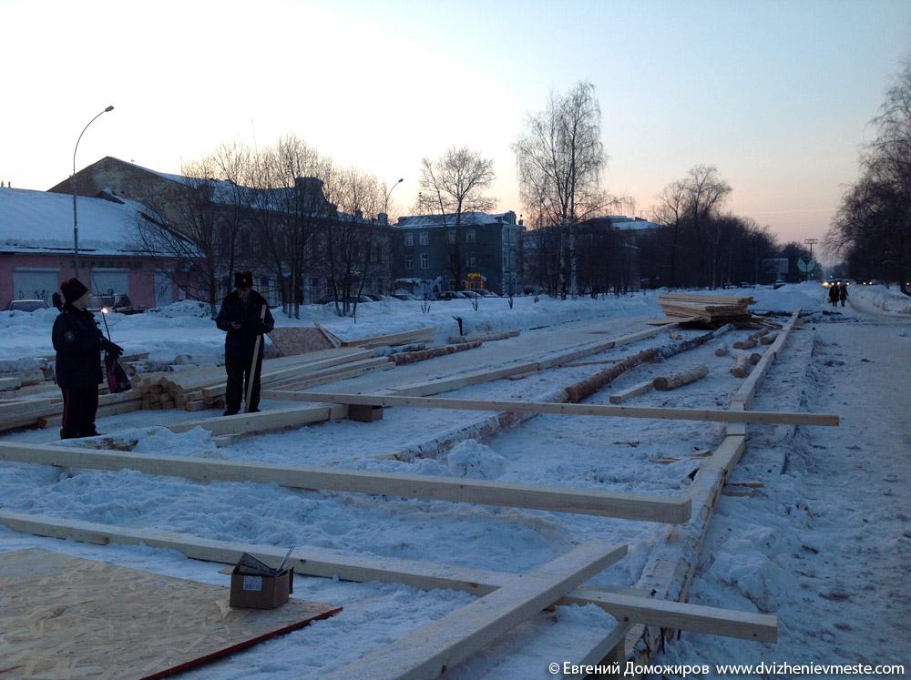 Деревянная горка в центре Вологды на 20-е февраля (5)