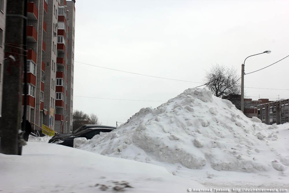 Снег на улицах Вологды на 20 марта 2013 года (1)