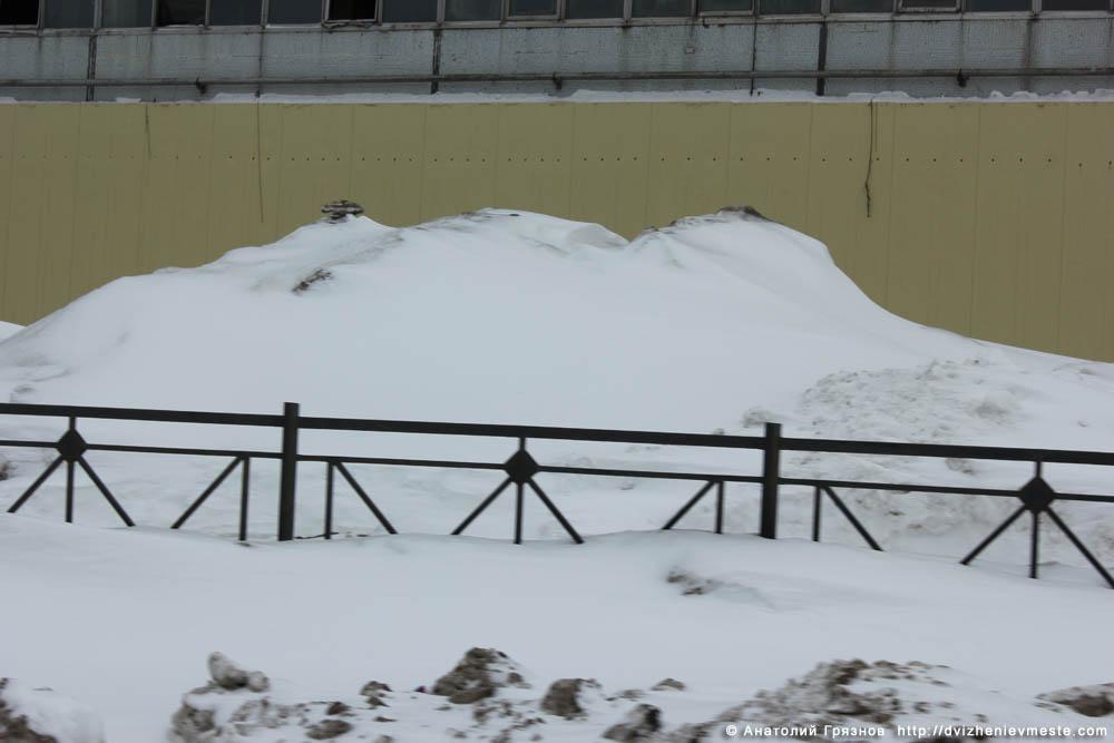 Снег на улицах Вологды на 20 марта 2013 года (15)