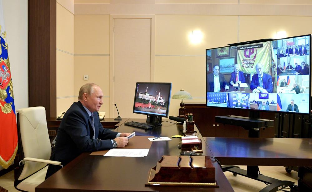 Выборы 2021 МИронов, СРЗП и Путин.jpg