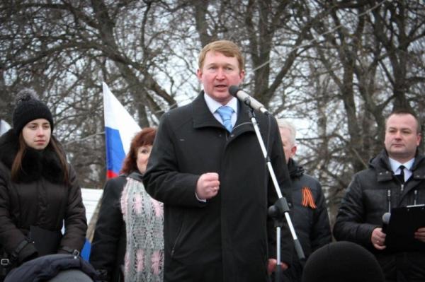 врединоросс Алексей Канаев на митинге 18 марта в поддержку аннексии Крыма