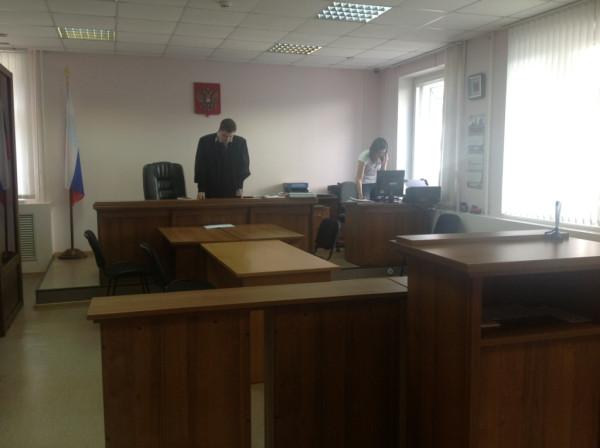 Суд в день Смеха в Вологде (4)