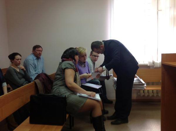 Суд с Колодезным по Узкому переулку (5)