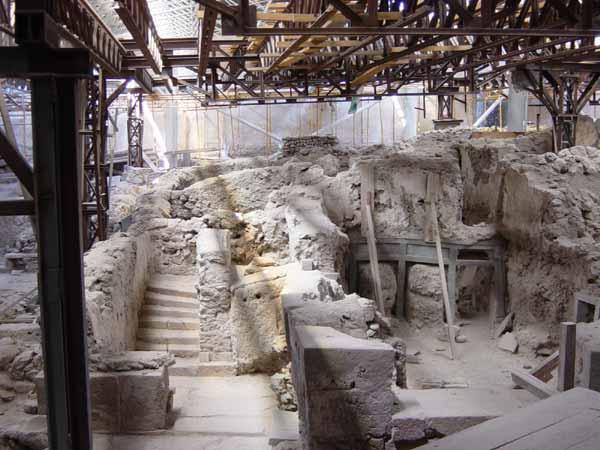 santorini-akrotiri-excavations