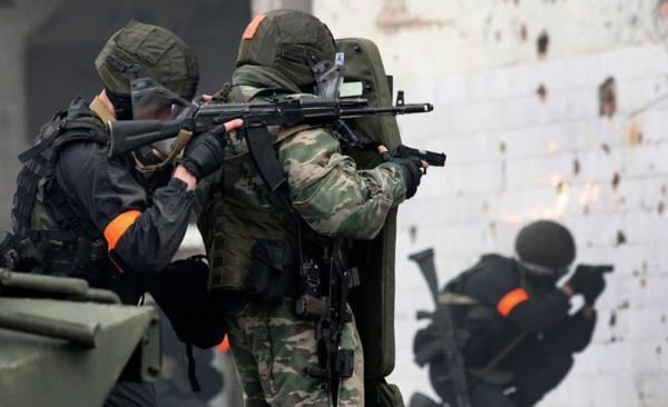боевики-операция-КТО-террористы-исламисты-военные-стреляют-стрелять-802x490