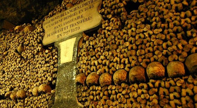 catacombs-of-paris-20203
