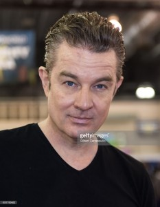 actor-james-marsters-attends-wizard-world-comic-con-philadelphia-2017-picture-id691769482