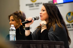 Charisma Carpenter & Holly Marie Combs at Wizard World Portland 2018