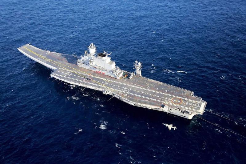 """Авианосец ВМС Индии """"Викрамадитья"""""""