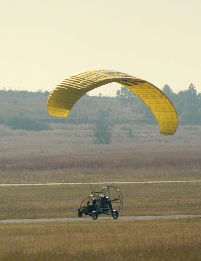 Powered_paragliding_trike-001