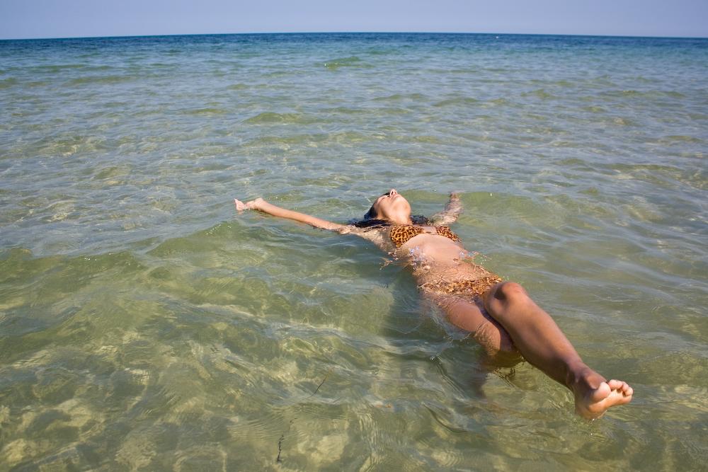 сбросил люди на диких пляжах склонность фантазиям мгновенно