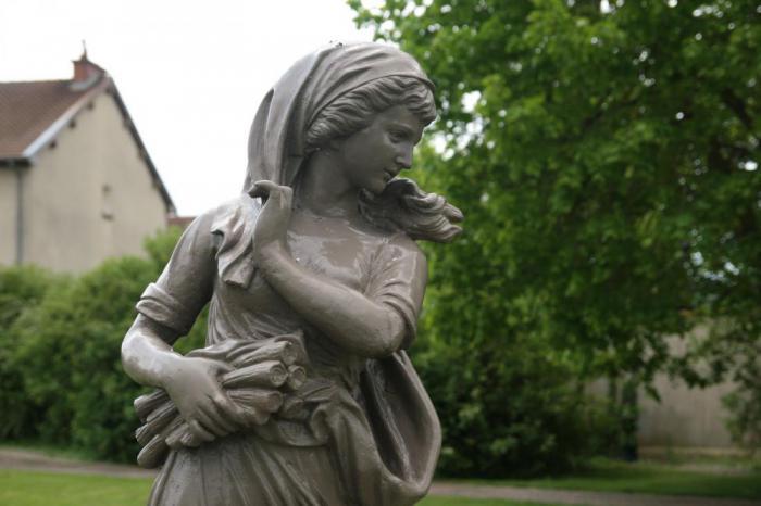 Скульптура Мари-Анжелик Мемми ле Блан