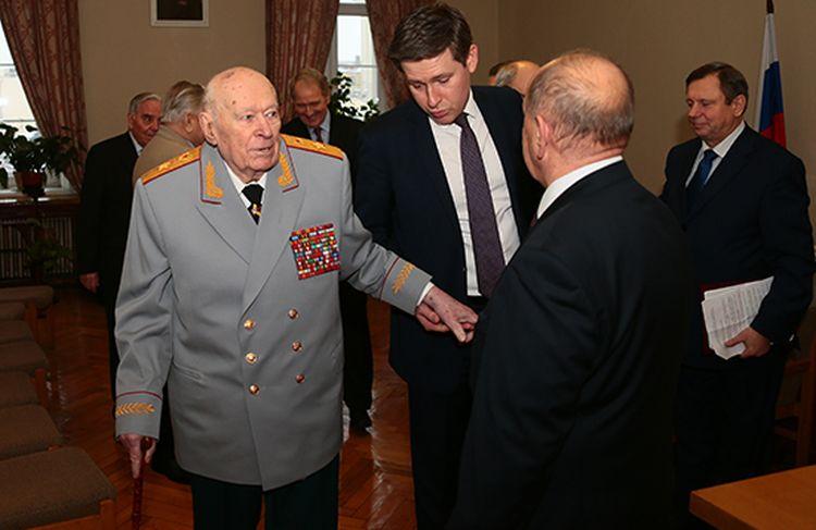 Почему советский человек - сволота и предатель  - Страница 2 3054_900