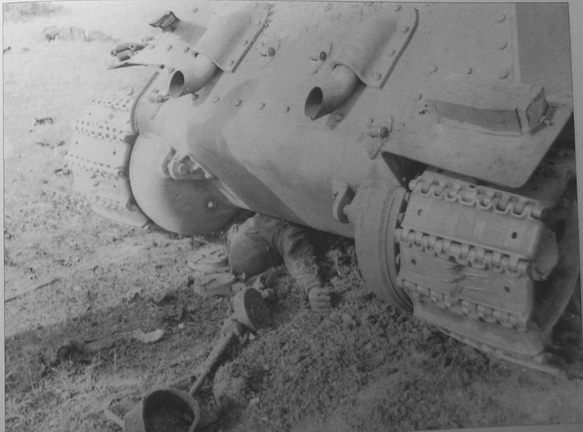 T-34_dead_DT.jpg