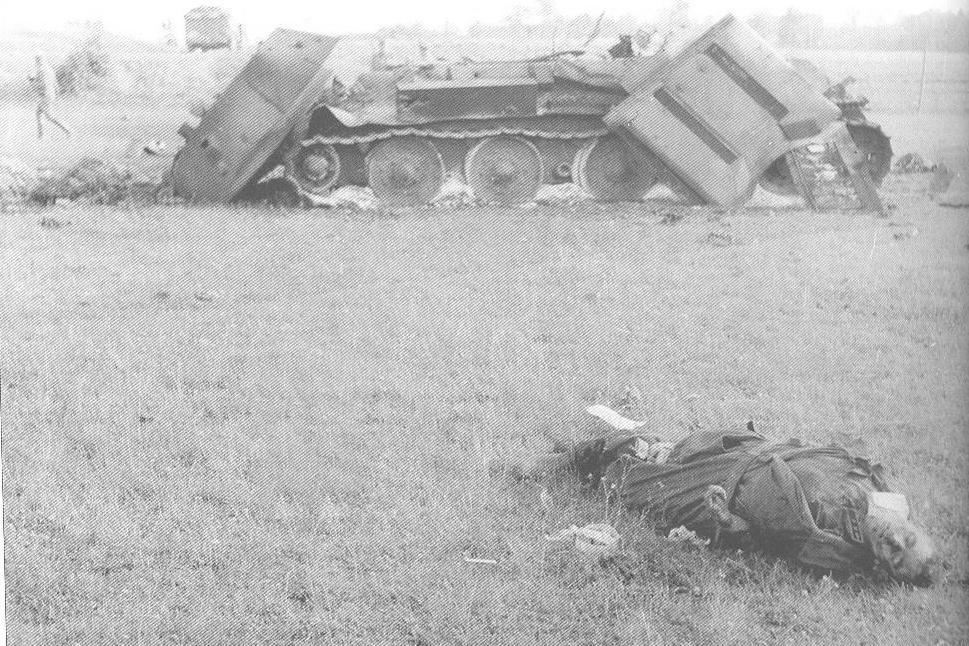 T-34_dead_leutenant.jpg