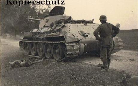 T-34_dead_on_MTO_01.jpg