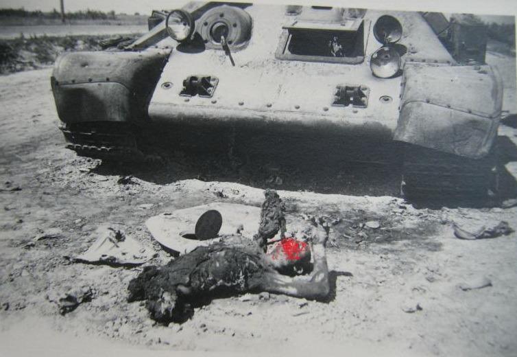 T-34_dead_wo_legs_02.jpg