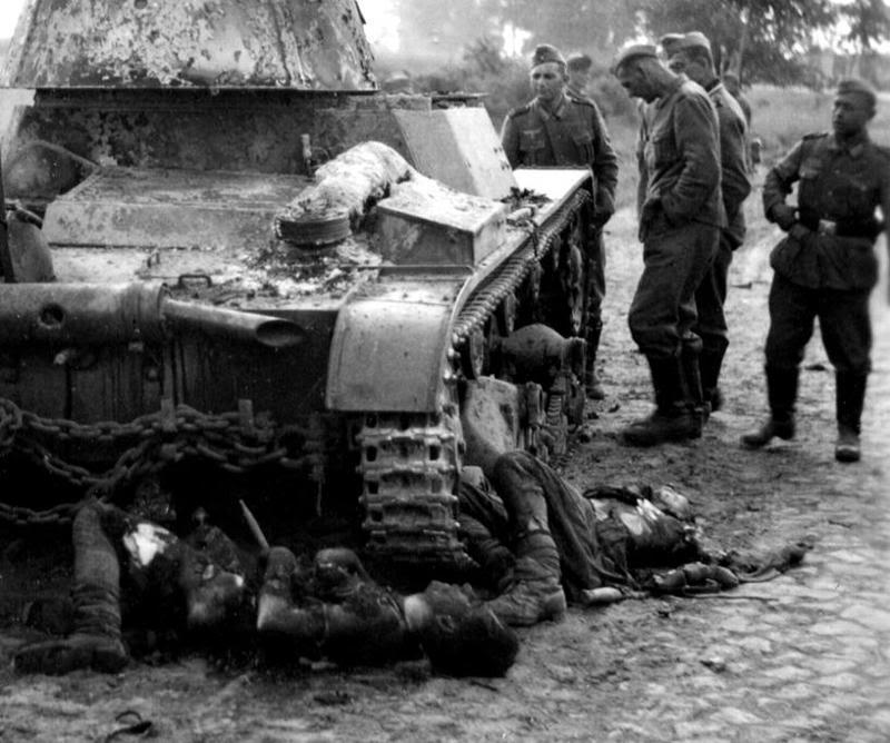 T-26_1940_deads.jpg