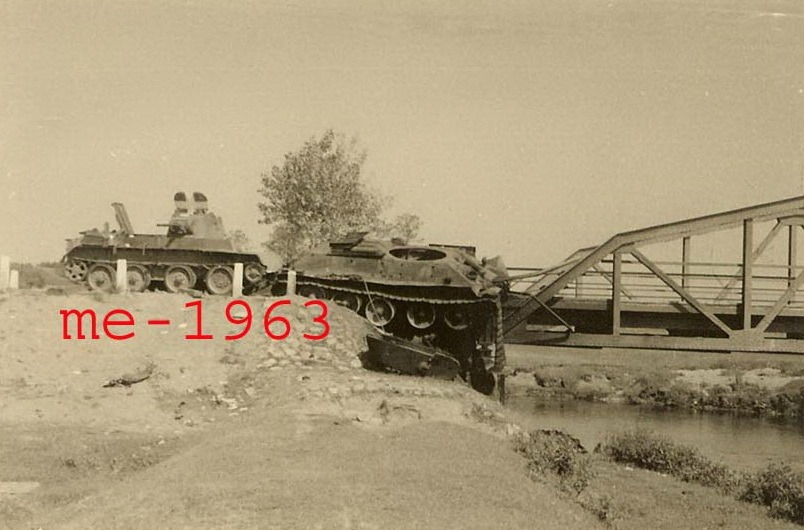 T-34_BT_bridge.jpg