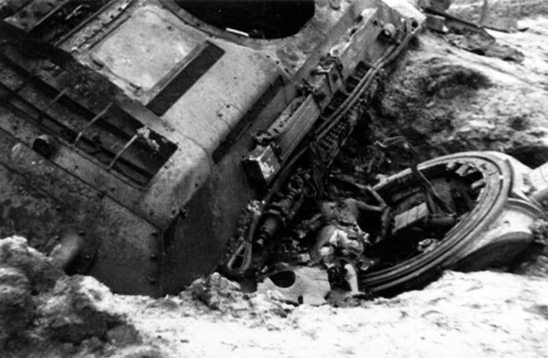 T-34_dead_bashnia.jpg